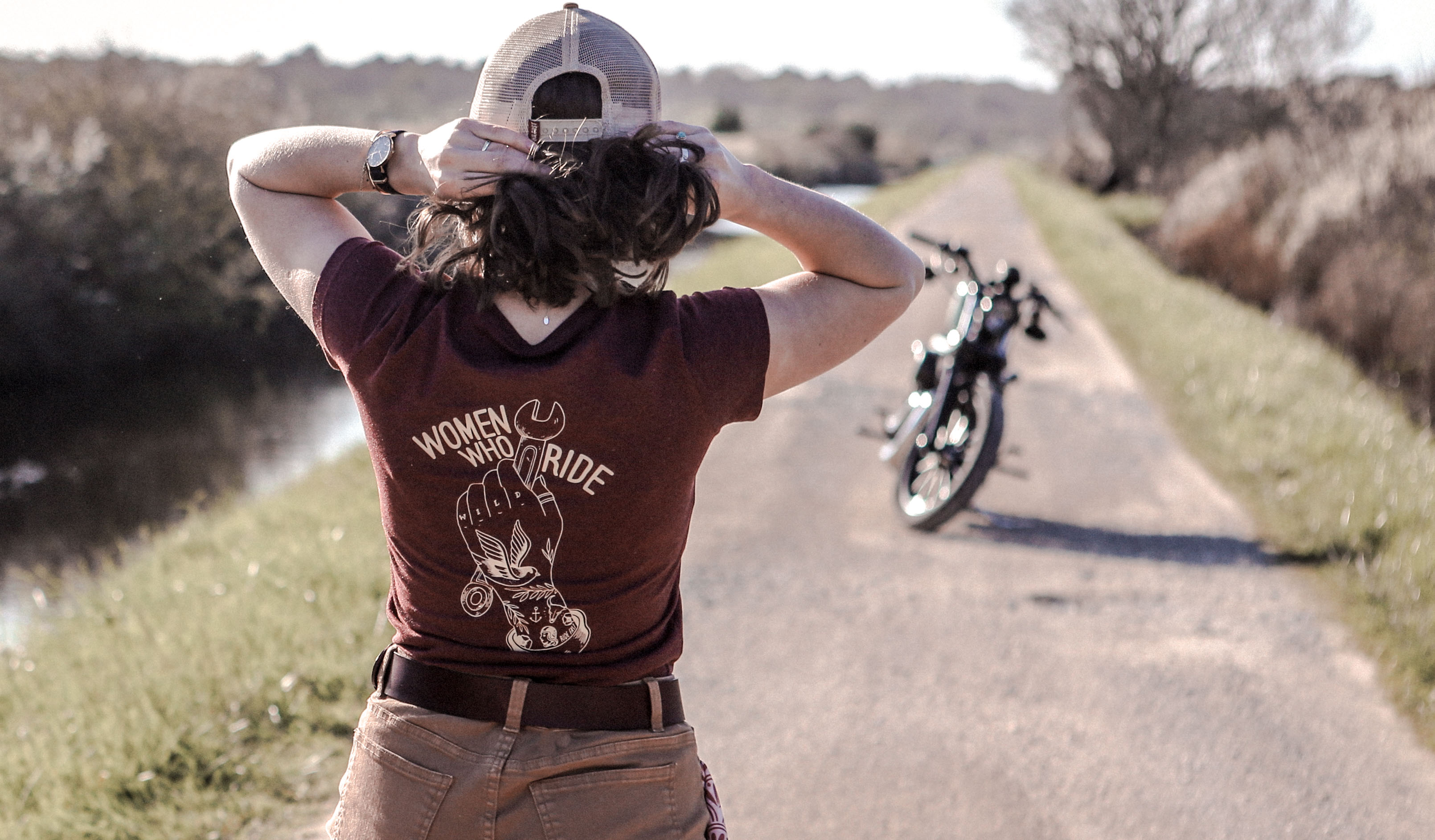 shirt woman who ride