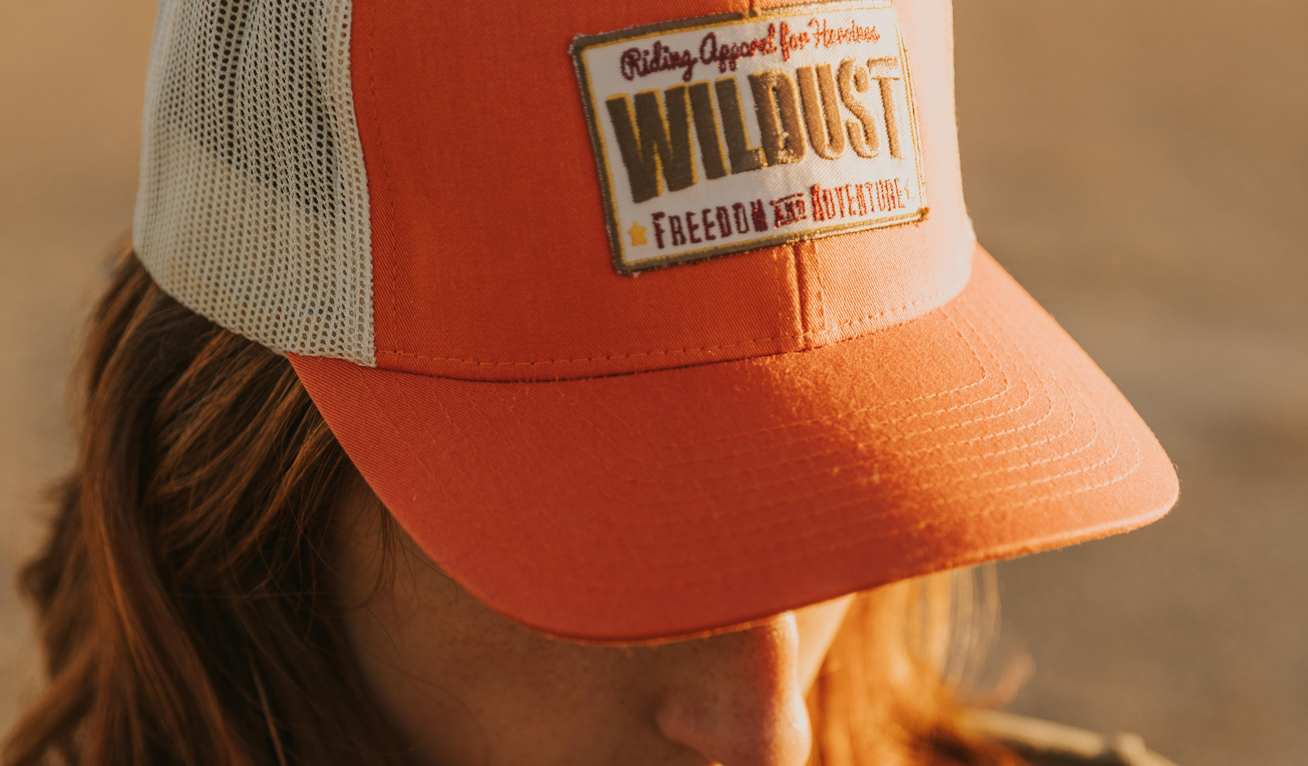 casquette orange moto femme wildust