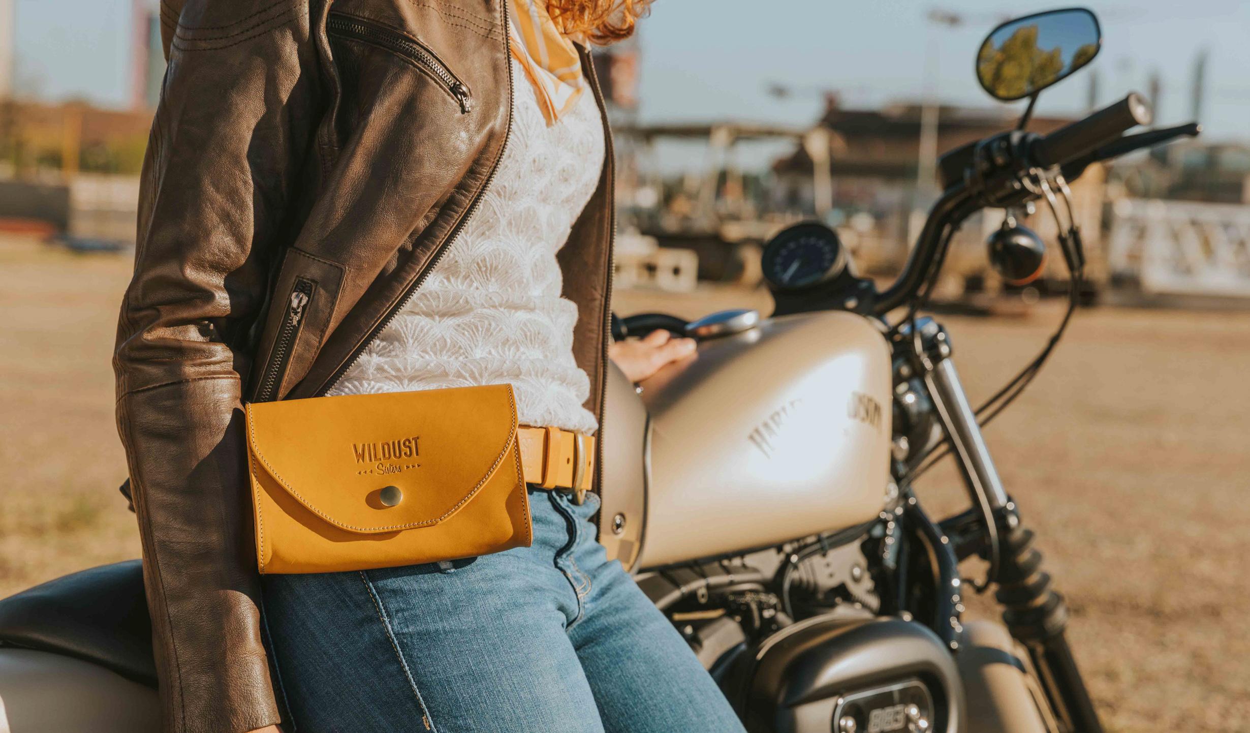 pochette ceinture jaune
