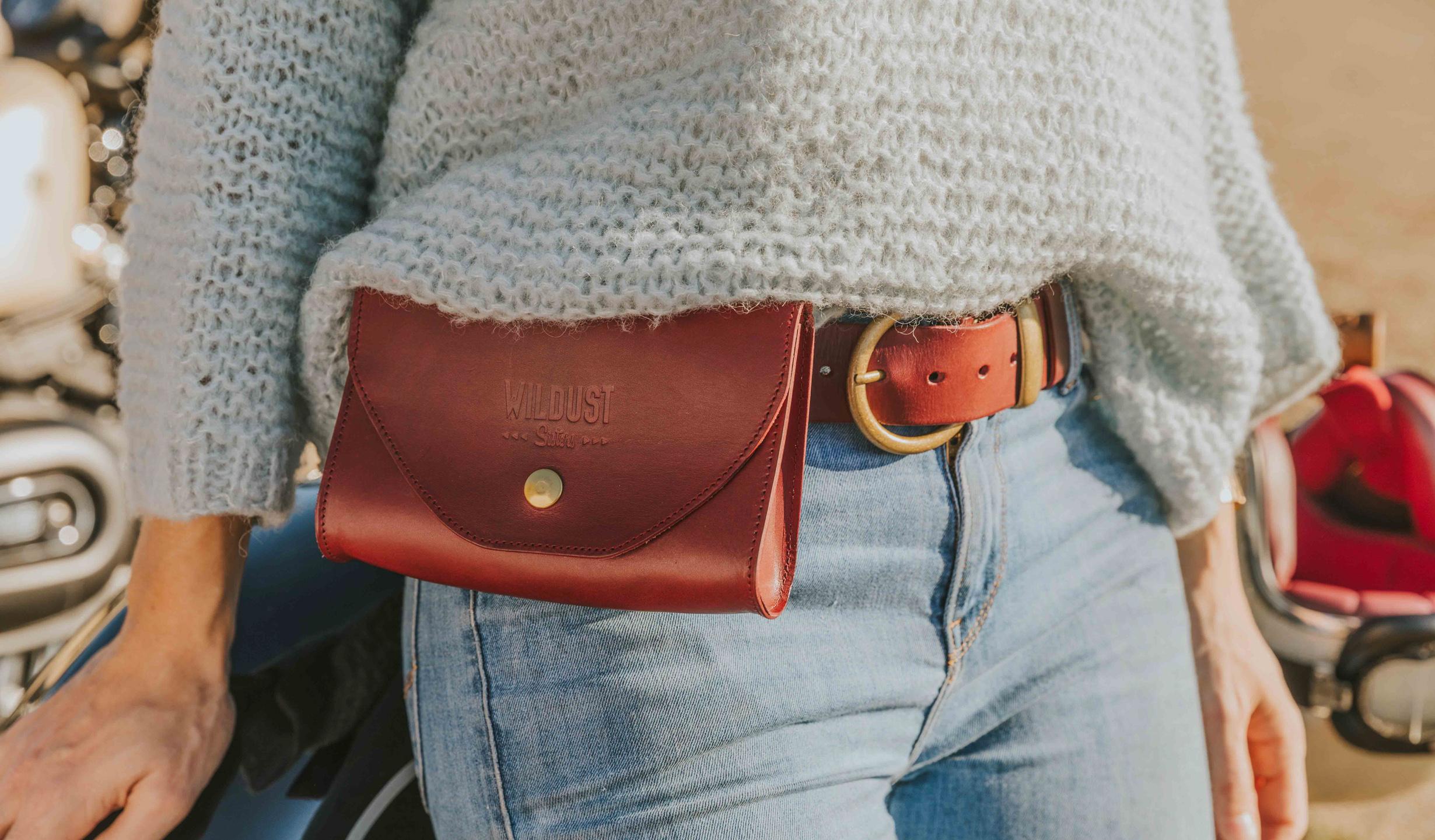 sacoche rouge bordeaux ceinture femme moto