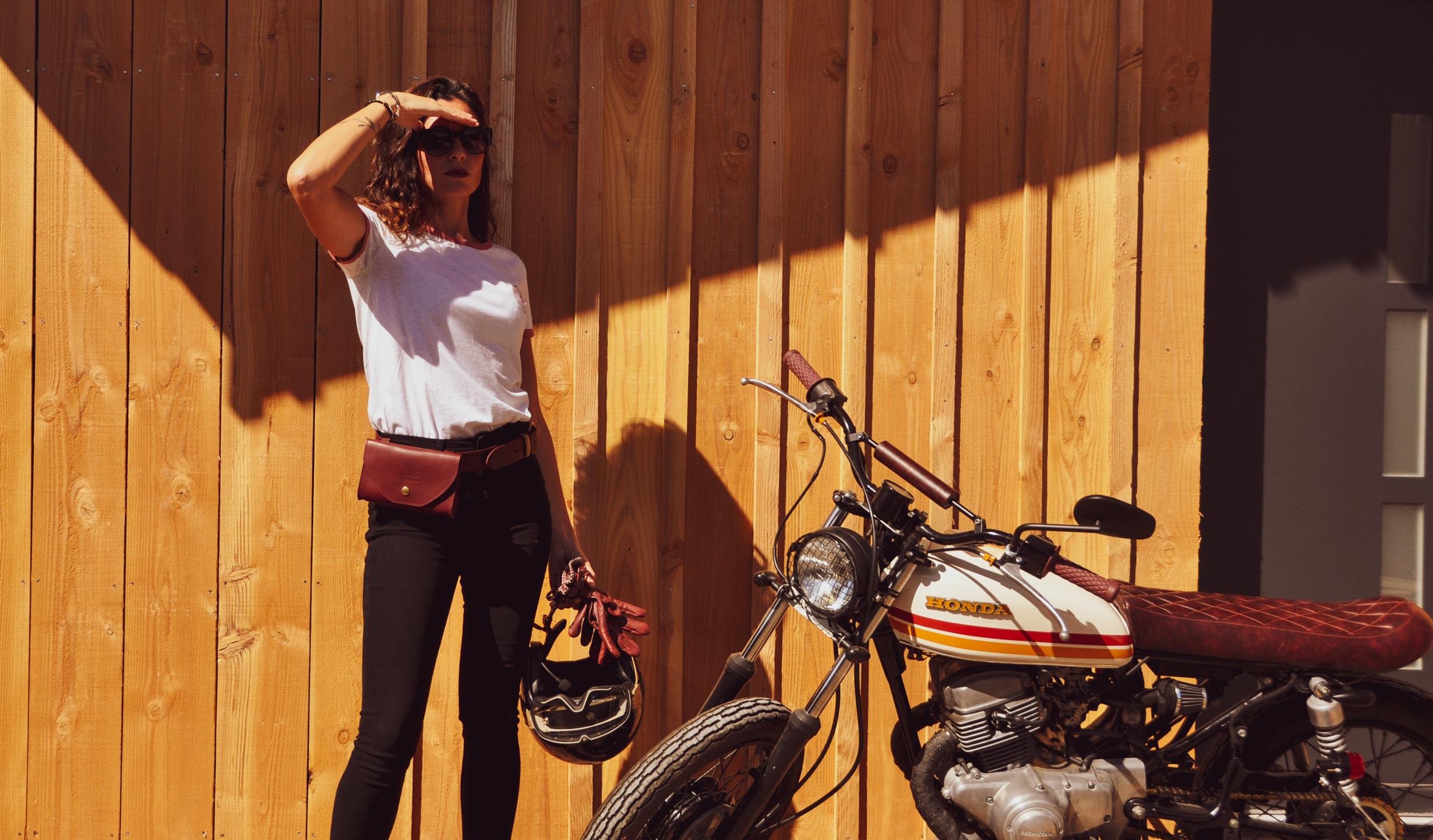 pochette cuir rouge wildust moto
