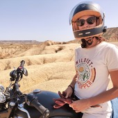 """On the road again ! Let's ride this new week hard ! Cheers from the Bardenad Reales - Summer 20 - Ride & friends. => Organic Cotton Shirt - WILDUST - ROAD TRIPPER, available on www.wildust.com  . . #roadtripper """"roadtriplover #motogirl #womanrider #womenwhoride #ridelikeagirl"""