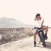 SUNDAY MOOD FOR ADVENTURE #wildustwayoflovinglife. . . #motogirl #womanrider #bikergirl #bikegirl  #girlrider  #roadtripper #womanonwheels #caferacerbabe #instabiker