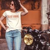 "🌞GOOD TIMES🌞 These are the good times 🎶  Yep, anything related to BIKE, RIDE, MOTORCYCLING, sounds like agood plan and a promiss to enjoy good times. Ain't it true? . . Quand tu t'aperçois qu'en fait, tout ce qui te ramène au ""RIDE"" est synonyme de ""GOOD TIME"" !!! tu te dis que tu devrais rouler plus souvent !  . . . #womanrider #triumph #bonneville #bikergil #goodtimes #motogirl #ridelikeagirl #womanwhoride #happyrider #enjoytheride"