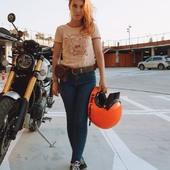 DETERMINATION : / Nom Féminin / *État d'esprit, trait de caractère de celui qui manifeste de la volonté   pour se réaliser.  *Qualité, attitude de quelqu'un qui est ferme, déterminé, résolu à mettre en ouvre ce qu'il souhaite.  💣Bref, tout est possible à qui est déterminé. 💪 Lève toi, vis tes rêves mais ne rêve pas ta vie !  . . #determination #strongwoman #womanempowerment #girlpower #empoweredwoman #grlpwr #motogirl #bikergirl #womanrider #womenwhoride  . .  Thank you @soniaordas for this cool pic !