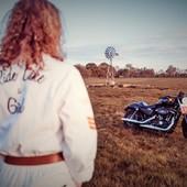 Sky is the limit...  . Quand tu réalises que tout est possible. La LIBERTE, à tous prix. Partir en voyage, passer son permis, réinventer sa vie...Choisir ce qui nous fait vibrer, ce qui nous motive profondément... et OSER ! . . #ridelikagirl #womanrider #bikergirl #motogirl #skyisthelimit #dare #empowerment #girlpower