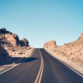 Week-end loading... Sun is back ! Where are you riding to this week end? . Le soleil est de retour, qui va sortir rouler ce week end ? . . #ridespirit #wildandfree #neverendingroads #motolovers #roadtrippers #sunisback