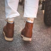 FREE SOUL... Les dernières venues dans la série VINTAGE SOCKS !!! Toujours plus rétro, celles-ci nous font voyager dans le temps, et signent un message précieux pour tous les esprits libres... . . Newbies in the vintage socks collection. A flash back in time, for WILD and FREE SOULS, only ! . . #womanrider #freesoul #wildsoul #wilderness #freedom #bikergirl #motogirl #vintagesocks #happysocks #madeinfrance