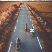 L'un de nos cliché préféré,  issu du shooting pour Moto Heroes, réalisé par @gregbronard.  Nous nous sommes permis 3 minutes hors du temps, pour rouler à faible vitesse sur une route hors circulation, sans protections... Nous ne faisons pas l'apologie de l'inconscience sur la route, loin de là !  Mais avons aimé cet instant volé, pour exprimer au travers de l'art photographique, la nature profonde du mot Liberté ! Un très bon moment, au soir tombant, que nous gardons en mémoire !  . . .  One of our favourite shot for @motoheroesofficiel with talented @gregbronard.  We afforded 3 minutes of pure riding experience, on a lonely road, slow speed, just to make a great pic with the drone. No risk taken , just the expression of the great freedom experience.  Of course we recomend wearing the helmet!That instant was stolen,  riding without the helmet was only for the pic, only for the art ! But we did had a nice time there ! Good memories ! . .  . .  @two_wheels_therapy, @clairedousseau @wildust_sisters.  . . #hatersgonnahate #freedom #greatpic #wildhairidontcare #ridemybike #freedomrider #bikergirl #womanrider #womenwhoride #ridelikeagirl