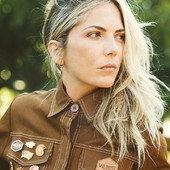 Everything is about details... Détails et Subtilités... . Pin's to customize your overalls, jackets and shirts... ! GET YOURS ! Available at www.wildust.com  #pins #custo #customize #girlpower #gasolinegirl #womanrider #bikergirl #womanwhoride #ridelikeagirl #girlrider  Thank you @sophiemolesti et @davidandrewoj