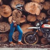Petit souvenir d'une jolie balade avec @two_wheels_therapy 💛, qui porte à merveille la veste de protection moto en Armalith by Wildust. Anti abrasion et anti-déchirures, elle intègre aussi les protections moto. La bonne alternative pour rouler chic et protégée. . . #womanrider #scrambler #ducati #bikegirl #motogirl #ridelikeagirl #two_wheels_therapy #armalithjacket #protectivejacket #motogirl